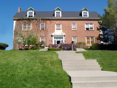 Sorority House Mom Salary and Job description > How much do you make